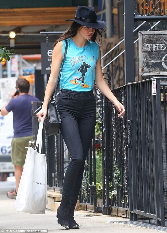 kendall jenner vintage t shirt style